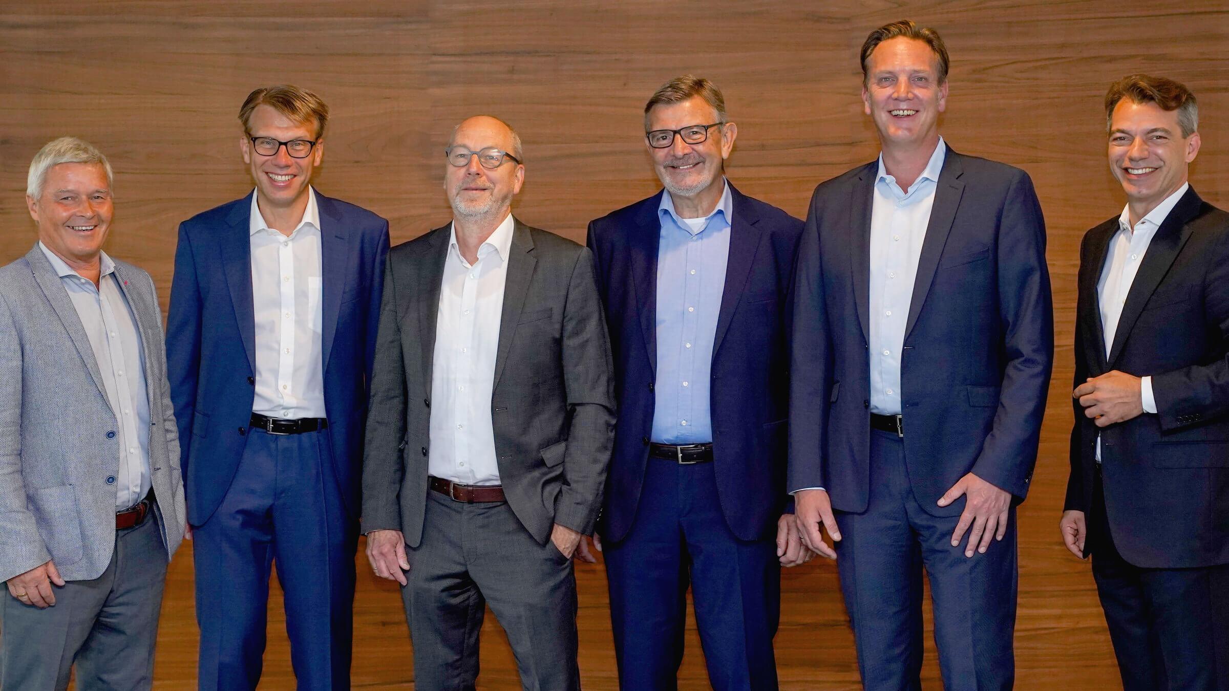 von links nach rechts: Dieter Brandl, Frank Hägele, Dieter Jacobs, Helmuth Barth, Christian Schüßler und Vinzenz Pflanz